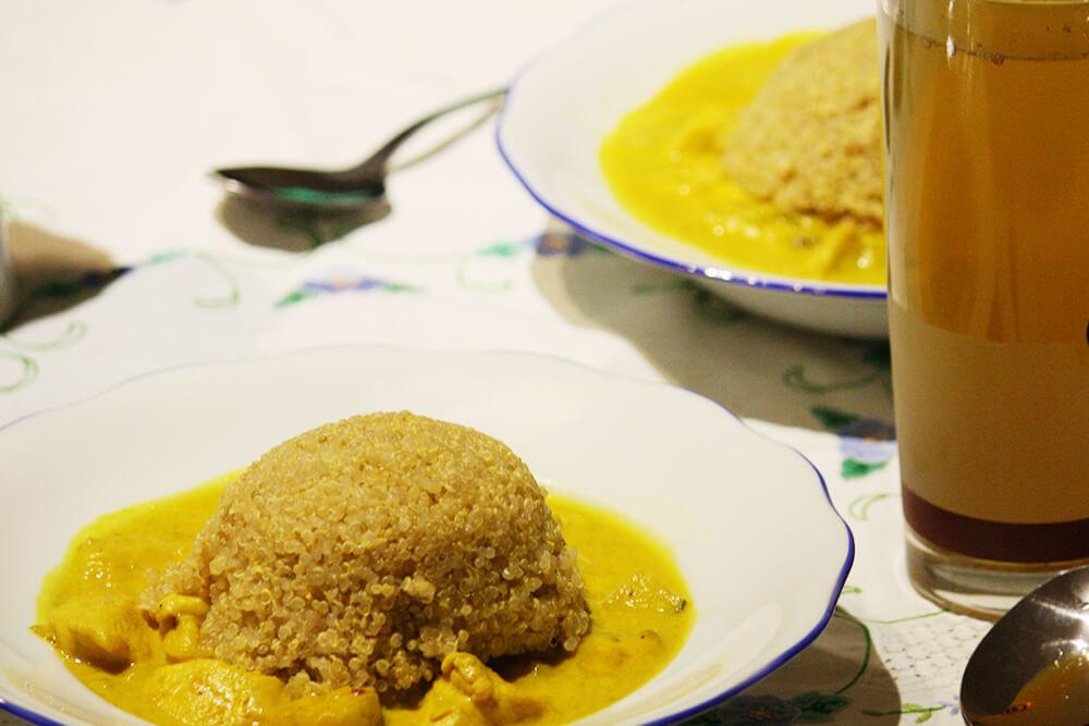 Fleisch Hähnchen Curry mit Quinoa